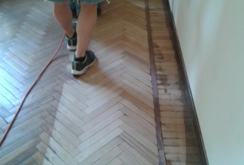 Nostra realizzazione in Brescia di levigatura parquet prefinito - Opere di levigatura parquet in rovere