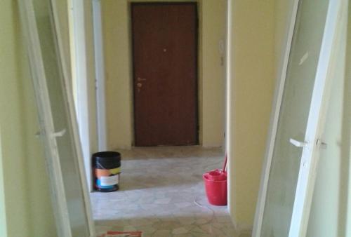 Tinteggiatura pareti, soffitti e porte interne - Lavori di tinteggiature interni in Brescia