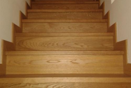 Rivestimenti scale in legno - Scale rivestite in legno per interni ...