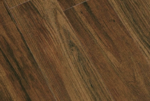 Decoro Classic Walnut - Pavimento in PVC WINEO linea Bacana Wood
