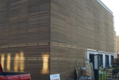legno per esterni DECKING frassino termotrattato a doghe - rivestimento a parete - Rivestimento esterno in frassino termotrattato