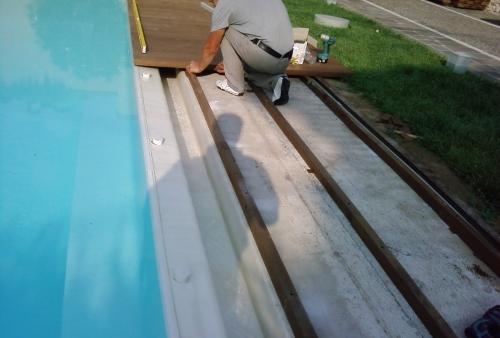 Ipé spessore mm 40 - pavimento DECKING a bordo piscina - Pavimento in legno da esterni Ipé - bordo piscina, creazione sottostruttura