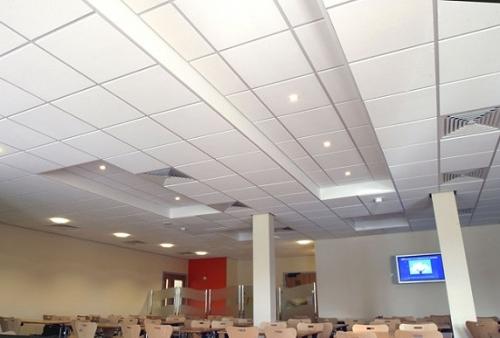 sala congressi - controsoffitto acustico - controsoffitto