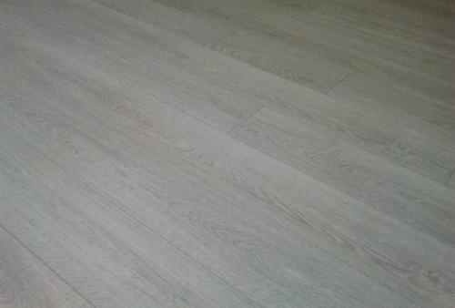 Realizzazione di pavimento in laminato Kronotex decoro Rovere Light 2800 - PAVIMENTO IN LAMINATO KRONOTEX - LINEA MAMMUT