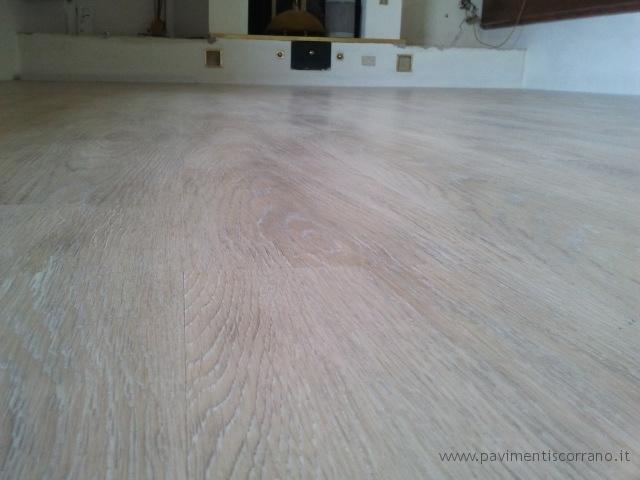 Casa moderna roma italy pavimenti pvc prezzi for Piastrelle in pvc autoadesive
